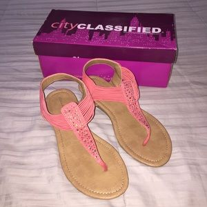 City Classified Slip on T Strap Heeled Sandals